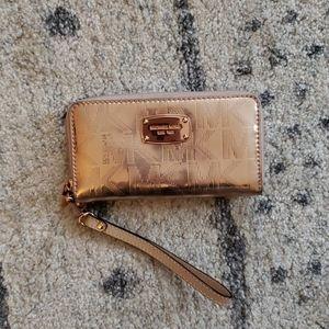 Michael Kors zip wallet Rose Gold